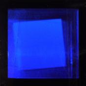 Dérivés de pigment sur feuilles de verre dans un caisson en aluminium, 20 x 20 x 20 cm, 2016