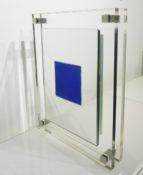 Miroir dépoli entre deux plaques de plexicristal n°3/5, 43 x 34 x 6 cm, 2016
